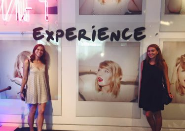 Taylor Swift to Curate Her Own Museum Exhibit