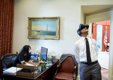 Barack Obama Gives a Virtual Reality Tour of The White House!